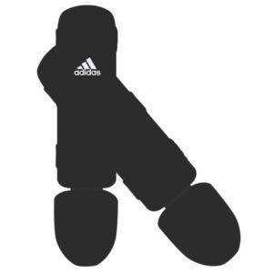 Zwarte scheenbeschermers van Adidas good.