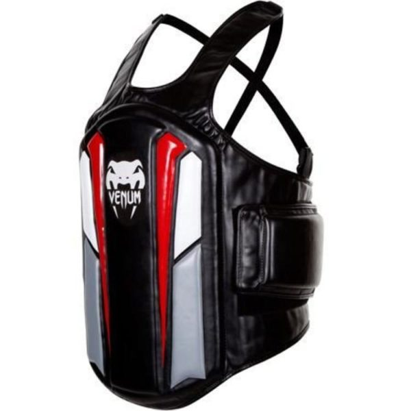 Body protector van Venum Elite.