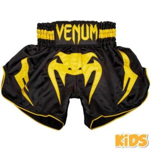 Zwart geel thai- en kickboks broekje voor kinderen van Venum bangkok infermo.