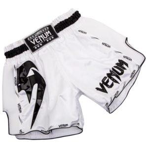 Wit zwart thai- en kickboks broekje van Venum giant.