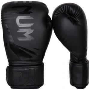 zwarte (kick)bokshandschoenen van Venum challenger 3.0