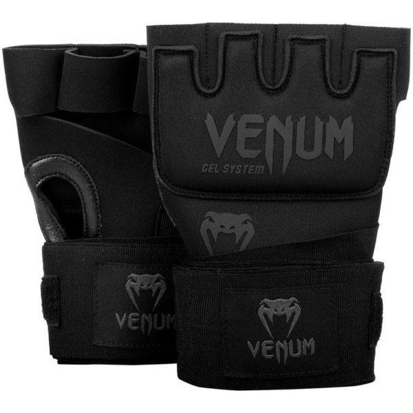 Zwarte binnenhandschoenen met gel en bandages van Venum.
