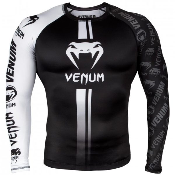 Zwart witte rashguard long sleeves van Venum logos.