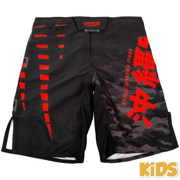 Zwart rood mma fightshort voor kinderen van Venum okinawa 2.0.