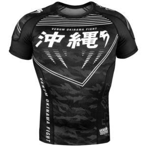 Zwarte rashguard van Venum okinawa 2.0.