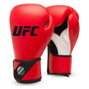 Rode training (kick)bokshandschoenen van UFC.