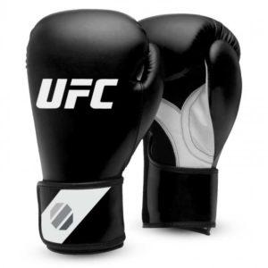 Zwarte training (kick)bokshandschoenen van UFC.